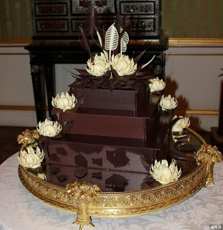royal-wedding-cake-54324499313dc