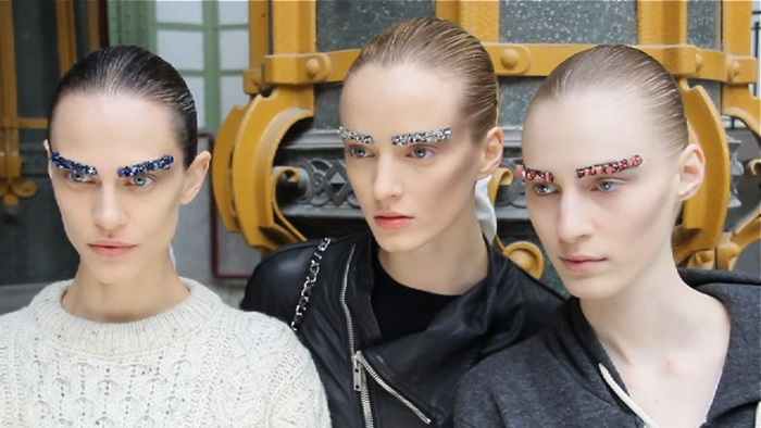 Chanel-brows-700