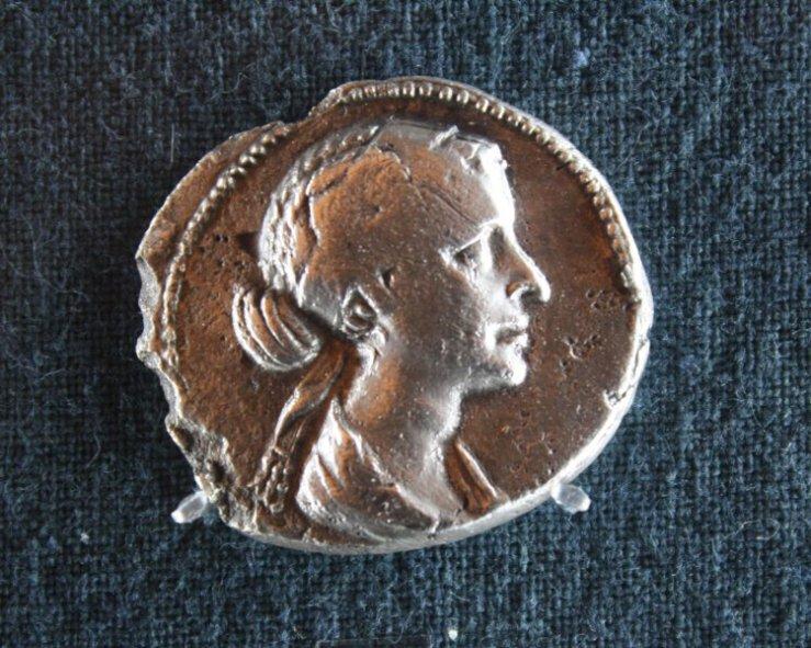 081217-02-Cleopatra