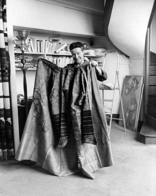 Simone-theater-coat